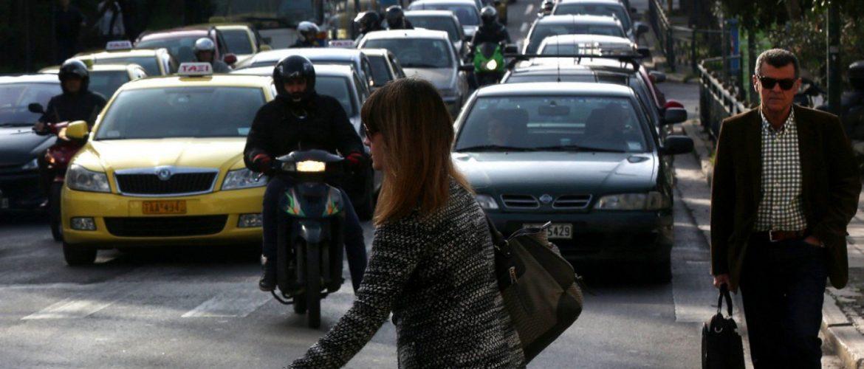 Κυκλοφοριακό κομφούζιο στους δρόμους της Αθήνας λόγω βροχόπτωσης
