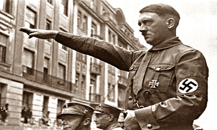 Για ποιον χτυπά η καμπάνα σε χωριό της Γερμανίας; Για τον Χίτλερ και τους αρέσει
