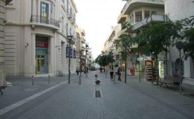 Βίντεο: Επεισόδια στο κέντρο του Ηρακλείου μεταξύ οπαδών Ολυμπιακού και ΑΕΚ