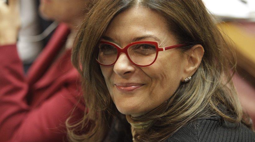 Σκανδαλώδεις μεθοδεύσεις από Αντωνοπούλου καταγγέλλει πρώην Γενική Γραμματέας του υπουργείου της