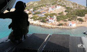 Η Τουρκία περικυκλώνει το Καστελόριζο με πρόφαση έρευνες
