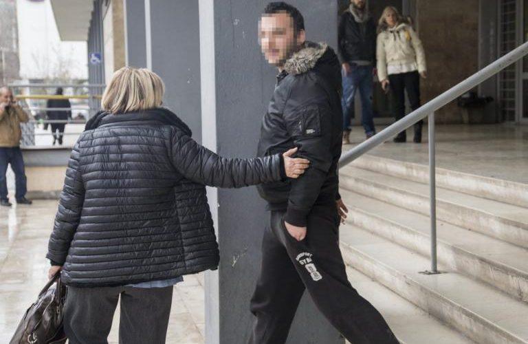 Στο νοσοκομείο ο οπαδός του ΠΑΟΚ που πέταξε την χαρτοταινία στον Γκαρθία