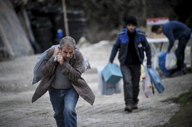 Πέφτουν σπίτια στα Τρίκαλα – Υποχώρησε το έδαφος από το πολύ νερό