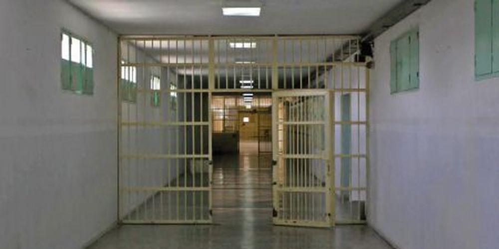 Σοκ: Κρατούμενος αυτοκτόνησε με κουβέρτα από τα κάγκελα της φυλακής στα Χανιά