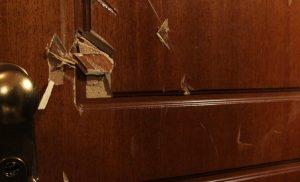 Καταδρομική επίθεση κουκουλοφόρων στο γραφείο καθηγήτριας του Παντείου για τον Γιαγτζόγλου