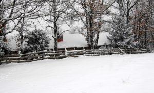 «Άγριο» το σκηνικό του καιρού: Χιόνια και παγετός σε πολλές περιοχές