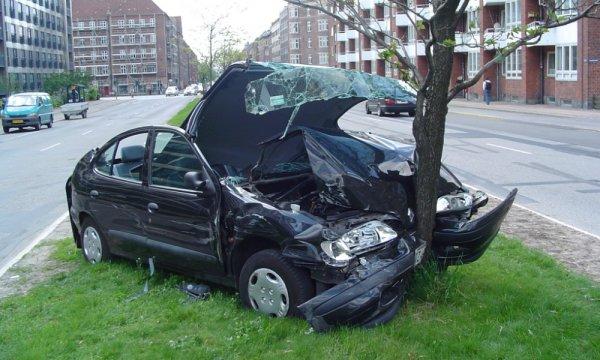 «Στημένα» 2 στα 10 δηλωμένα ατυχήματα στις ασφαλιστικές!