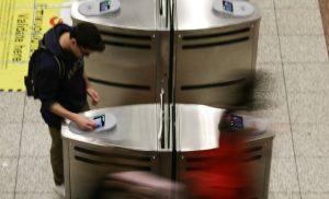 Κλείνουν οι μπάρες στο μετρό του Συντάγματος – Οδηγίες από τον ΟΑΣΑ