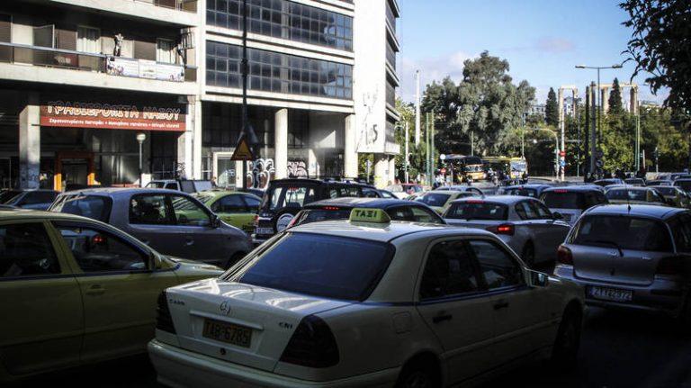 ΑΑΔΕ: Τα πρόστιμα σε όσους δεν ασφαλίσουν τα οχήματά τους μέχρι τις 23 Μαρτίου
