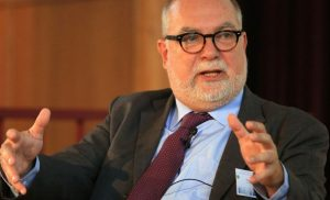 Βίζερ: Η τεράστια πτώση στο εθνικό εισόδημα ήταν το μεγαλύτερο κόστος της περιόδου Βαρουφάκη