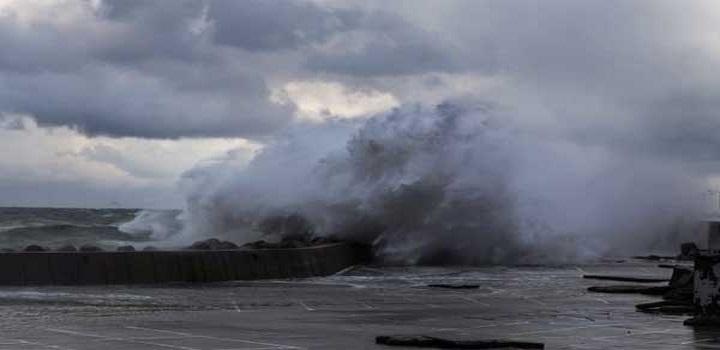 Έκτακτο δελτίο καιρού: Θυελλώδεις άνεμοι και αφρικανική σκόνη