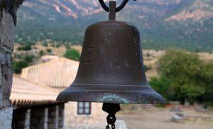 Αρπάζουν τις καμπάνες από ναούς στην Κορινθία