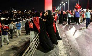 Κυνηγημένοι από τον Ερντογάν ζητούν άσυλο στη Γερμανία