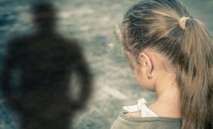 Σοκ: Συνελήφθη 51χρονος που ασελγούσε σε ανήλικη και της έδινε ναρκωτικά