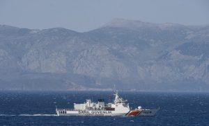 Σκάφος της Τουρκικής Ακτοφυλακής προσπάθησε να εμβολίσει πλωτό του Λιμεναρχείου της Χίου