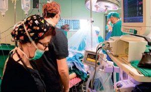 Όταν ήμουν στην άσφαλτο σχεδόν νεκρός γιατί το Ασθενοφόρο έκανε 1 ώρα και 45 λεπτά και στον Παπαδήμο μόνο 2;Εγώ γιατί έχω ένα πόδι;..