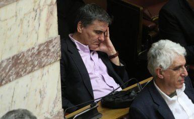 Πιέζει ο χρόνος για συμφωνία Ελλάδας-δανειστών μέχρι το Εurogroup της Πέμπτης