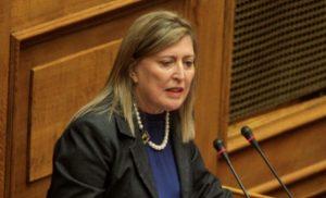 Απίστευτη Καρακώστα του ΣΥΡΙΖΑ: Συνδέει τις καισαρικές με τη βία!