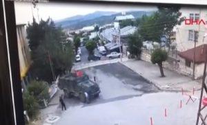 Θωρακισμένο όχημα του τουρκικού στρατού «έλιωσε» 85χρονη  Video