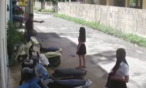 Βίντεο-σοκ: Πυροβολεί και σκοτώνει εν ψυχρώ την 21χρονη πρώην του