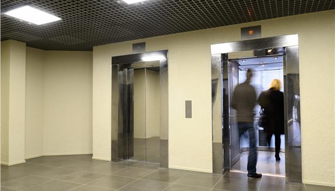 Καμπανάκι για τα ασανσέρ: Ερχονται τσουχτερά πρόστιμα σε ιδιοκτήτες, διαχειριστές