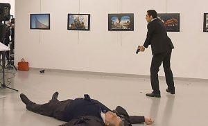 Σύλληψη πρώην αστυνομικού για τη δολοφονία του Ρώσου πρέσβη στην Αγκυρα