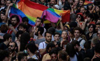 Τουρκία: Gay Pride στην Κωνσταντινούπολη παρά την απαγόρευση των αρχών [εικόνες]