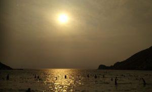 Σύρος: Χάθηκε ο ήλιος από τη φωτιά στην Κινέτα