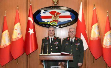 Η Κύπρος τουρκική σε χάρτη μέσα στο Αρχηγείο Χερσαίων Δυνάμεων! Φωτογραφία