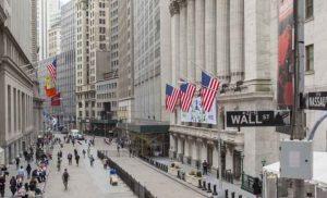 Wall Street: Με οριακές απώλειες έκλεισαν τη βδομάδα οι μεγάλοι δείκτες