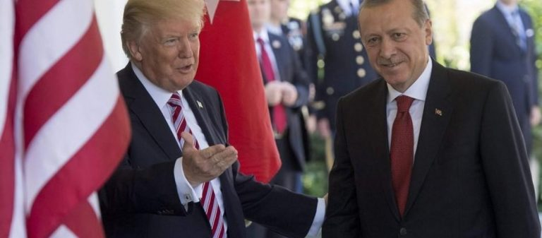 ΗΠΑ σε Τουρκία : «Η οικονομική σας κρίση θα λυθεί σε μία στιγμή αν αφήσετε τον πάστορα»