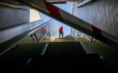 Βίντεο: Σκοτάδι «πίσσα» στο Μετρό του Συντάγματος – Πανδαιμόνιο στον σταθμό της Ακρόπολης