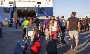Αυξημένη η κίνηση στα λιμάνια του Πειραιά, της Ραφήνας και του Λαυρίου