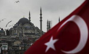 Guardian: Μονόδρομος για την Τουρκία η αύξηση των επιτοκίων