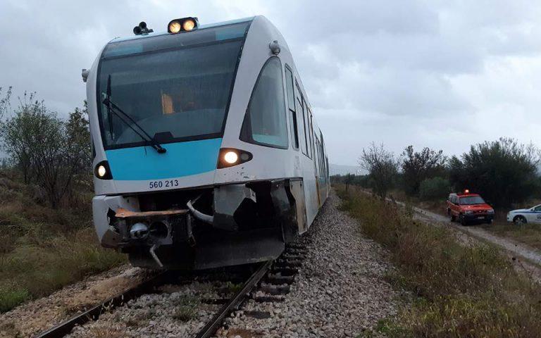 Εκτακτο: Τραίνο με 385 επιβάτες προσέκρουσε σε βράχια στο δρομολόγιο για Θεσσαλονίκη