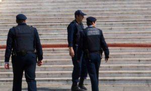 Εισέβαλαν σε εκκλησία στο κέντρο της Αθήνας και διέκοψαν τη λειτουργία