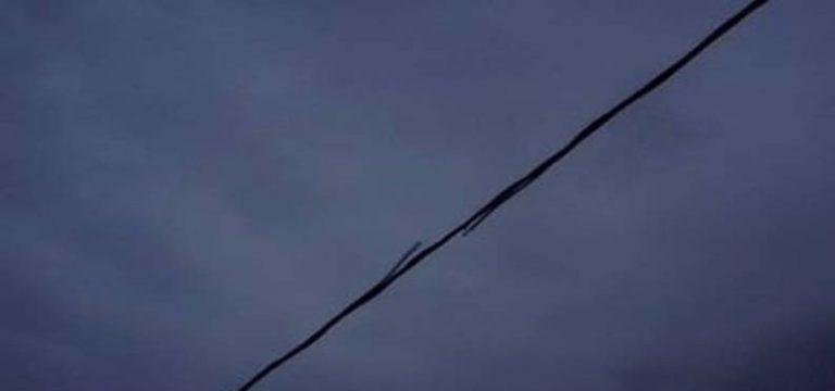 Βίντεο: Κολώνα της ΔΕΗ στο Μπλέ Λιμανάκι «έσκασε» σαν πυροτέχνημα