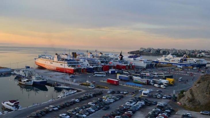 Συγκλονιστικό βίντεο: Θύελλα 10 μποφόρ στο λιμάνι της Ραφήνας