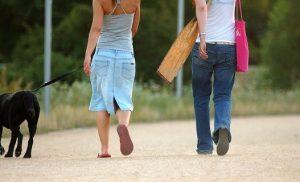 Ερευνα: Λιγότερα εγκεφαλικά με μισάωρο περπάτημα και μεσογειακή διατροφή