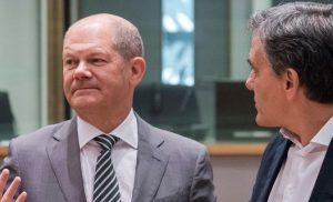 Στριμώχνουν τα πράγματα με τις συντάξεις -Στο Eurogroup του Δεκεμβρίου οι αποφάσεις