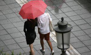 Καιρός: Βροχές και καταιγίδες και τη Δευτέρα