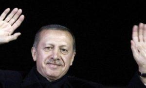 Με δημοψήφισμα απαντά στην ΕΕ ο Ερντογάν