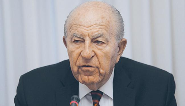 Ο Πρόεδρος της Ελληνοαμερικανικής Ένωσης, Κρις Σπύρου πυρπολεί τα Σκόπια: «Μολών Λαβέ – Kτίζω τα θεμέλια της νέας αντίστασης των Ελλήνων».