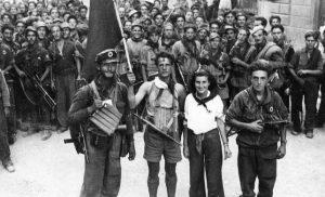 Δείτε ποιο ιστορικό τραγούδι ξεφτίλισαν οι… νεοέλληνες! (vid)