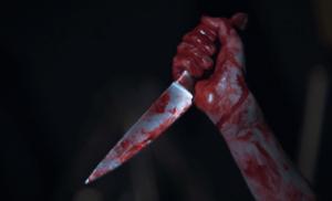 Σοκ στο κέντρο της Αθήνας: Συμμορία 6 αλλοδαπών μαχαίρωσε 27χρονο Έλληνα – Δίνει μάχη για τη ζωή του