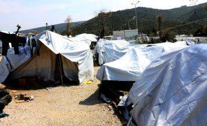 DW: Τρόμος στη Μόρια με λαθρεμπόριο ναρκωτικών και την πορνεία από μετανάστες