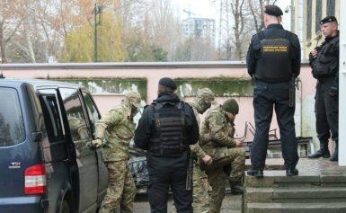 Κριμαία: Δημόσια διαπόμπευση για τους Ουκρανούς ναυτικούς – Στην τηλεόραση η ανάκρισή τουςβίντεο