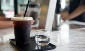 Ζεστός ή κρύος καφές; Ποιος έχει τα περισσότερα αντιοξειδωτικά