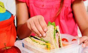 Ξεκινά σήμερα η διανομή των σχολικών γευμάτων
