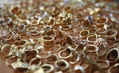 Συνέλαβαν πασίγνωστο ιδιοκτήτη αλυσίδας με ενεχυροδανειστήρια – Τεράστιο κύκλωμα λαθρεμπορίας χρυσού